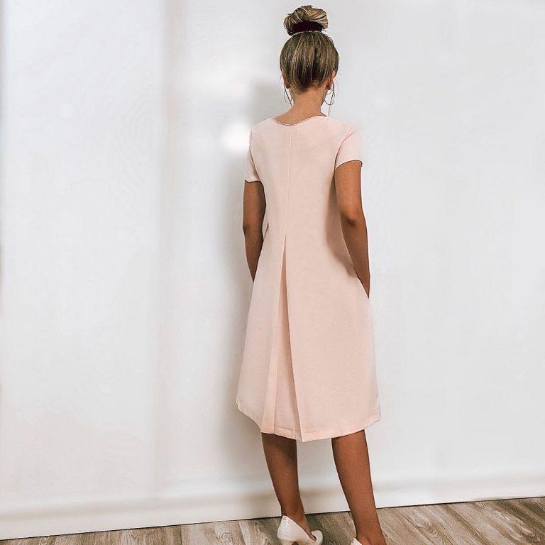 Rožinė suknelė su kloste