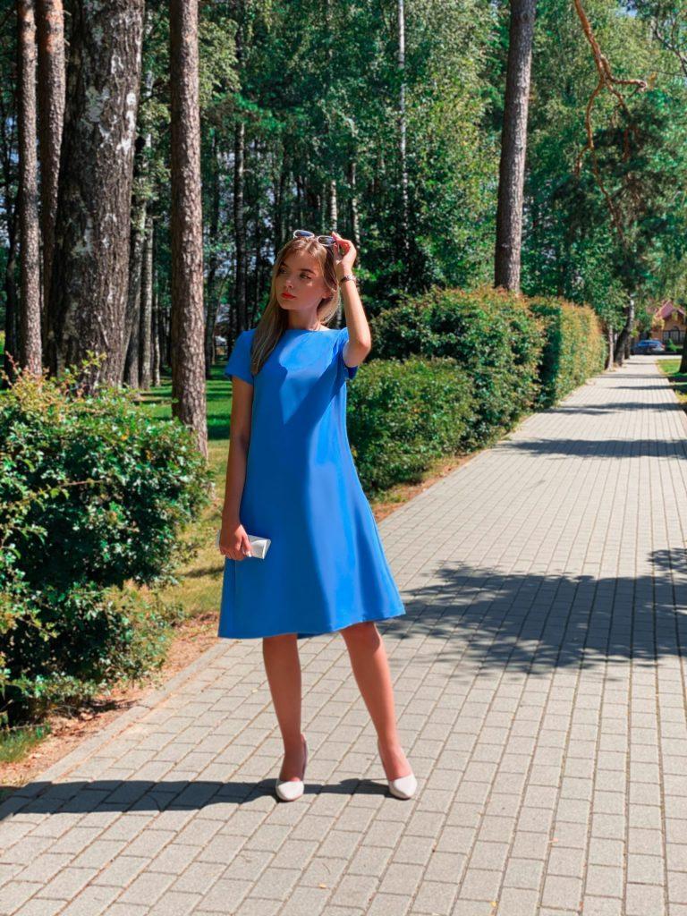 Žydra suknelė su kloste